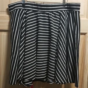 Black and White Striped Torrid Circle Skirt